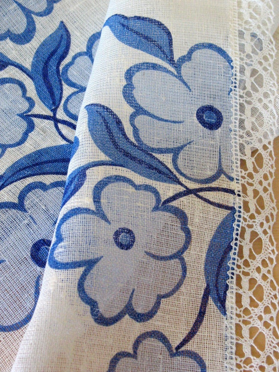 "Linen Table Runner, Tablecloth Natural White Blue Azure Flowers, Linen Lace  55,9"" x 18,5"""