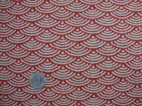 tissu japonais motif g om trique seigaiha vague rouge. Black Bedroom Furniture Sets. Home Design Ideas