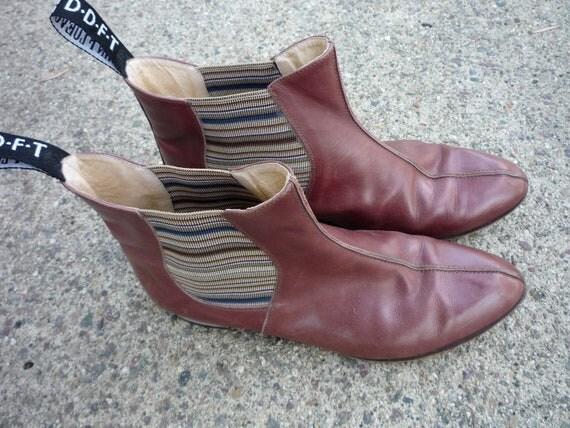 Early 90's Vintage Caramel Leather JOHN FLUEVOG BOOTIES Size 8