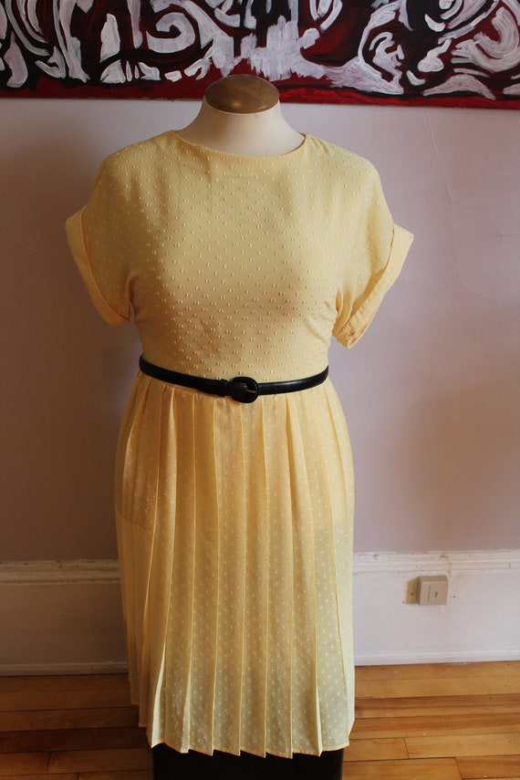 SALE VTG plus size seer yellow with square dot pleated skirt day dress 14-16 xl 1x