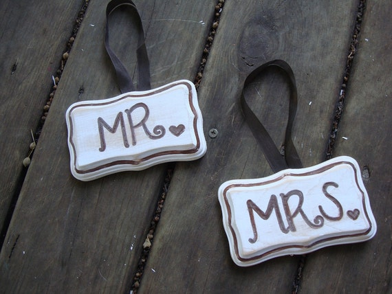 Mr. and Mrs. signs - Wedding - Photo prop