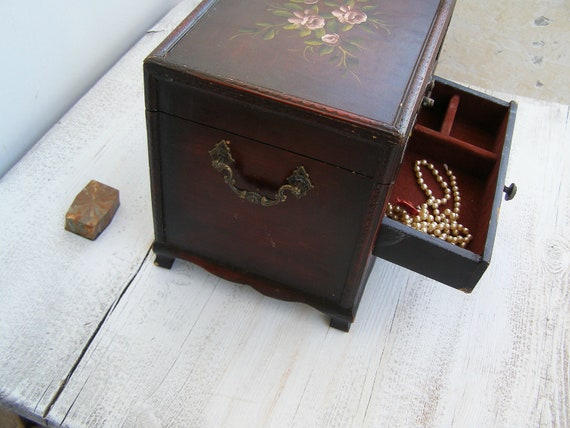 Vintage Jewelry Chest, Shabby chic Jewelry box, , hand painted Roses, Vanity Desk, pink roses, Desk organizer, Autumn