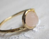 Rose quatrz ring, stacking ring, Gold filled ring, Delicate ring, Pale pink ring, Every day ring, Classic dainty ring, Hammered ring