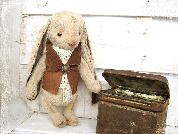 Artist Teddy Rabbit Frankie 8 inches
