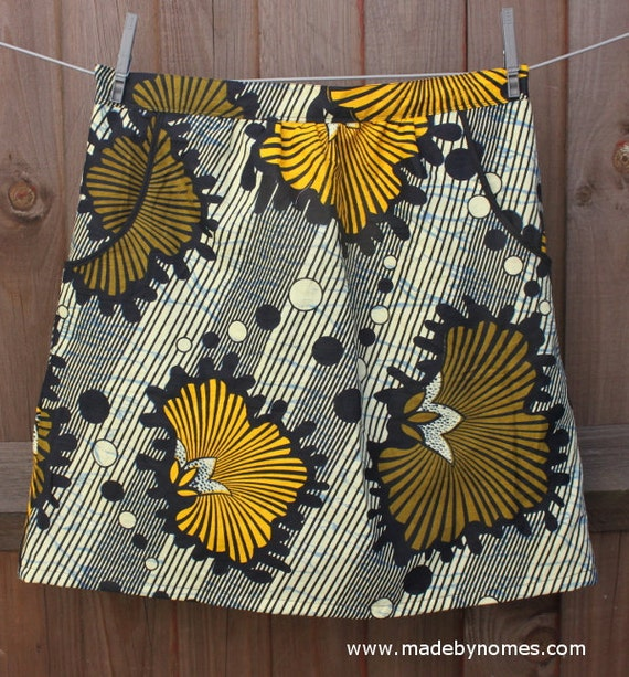Elastic waist skirt, front pockets - African print yellow and olive green flowers pattern. Adult size Medium