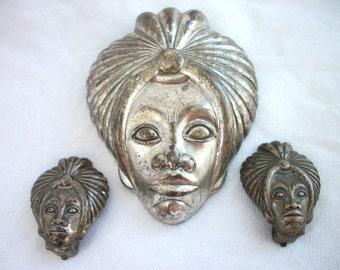 Very Vintage - Genie - Sultan - Turban - Brooch and Clip On Earrings Set - Silver tone Metal