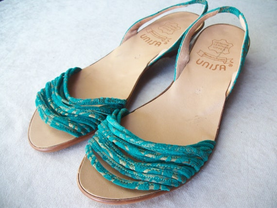 Women's vintage sandals, suede slingback, slip ons, teal with gold by Unisa, made in Spain. Women's US size 5 1/2.