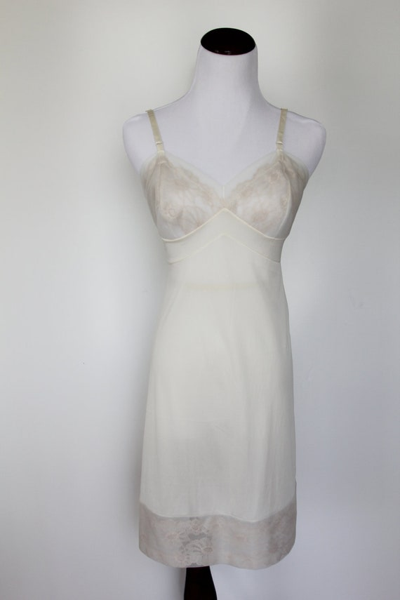 SALE Vintage Vanity Fair Nylon and Lace Full Slip