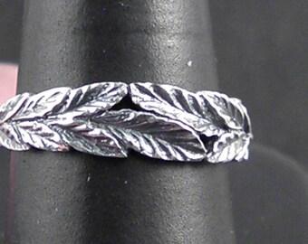 Sterling silver leaf ring.