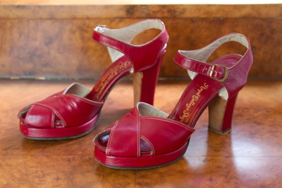 1940's High Heels // Lipstick Red Platform Peep Toe High Heels 6AAA