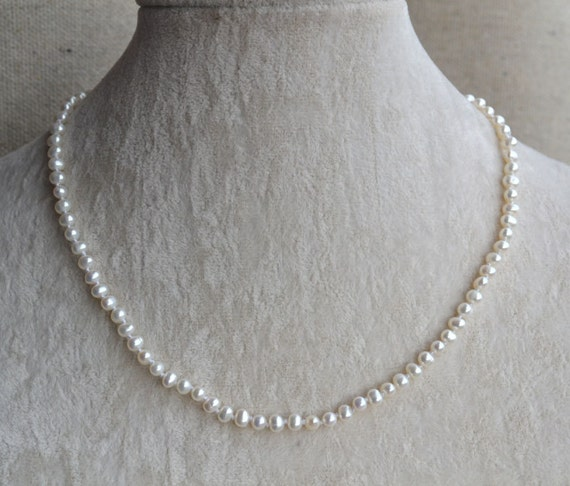 White pearl necklace or bracelet,Small pearl necklaces,16 or 18 inches 4-5mm freshwater pearl necklace,Wedding Jewelry