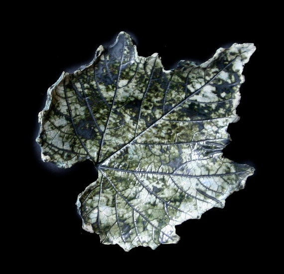 Ceramic leaf, dark green - Nature inspired, earthenware clay vine leaf.