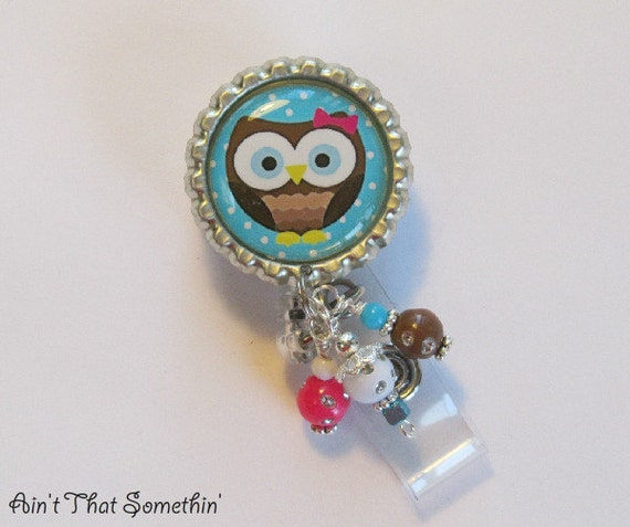 Big Eyed Hoot Owl on Blue - Retractable Badge Reel - Cute ID Holder - Fun Badge Clips - Creative Gifts - Unique ID Pull - Beaded ID Holder