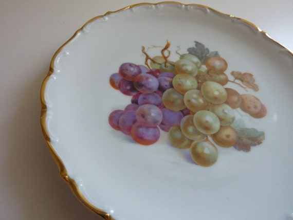 Vintage Schumann White Porcelain Plate with Green and Purple Grapes Scalloped Edges with Gold Trim - Bavaria Arzberg Germany