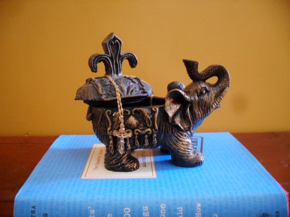 Vintage ELEPHANT JEWELRY TRINKET box