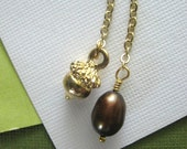 Acorn and Cocoa Freshwater Pearl Lariat Necklace in Gold