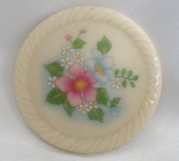 Avon Spring Bouquet Round Porcelain Disk Brooch With Flowers