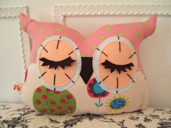 Whimsy/ - Apple Tree Pink Owl Pillow (Size-M) Made After Purchase