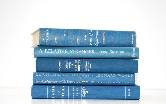 Blue Vintage 5 Book Collection Interior Design Vintage Book Decor