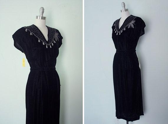 1950s black velvet wiggle dress / Dazzling Dear / NOS deadstock size small