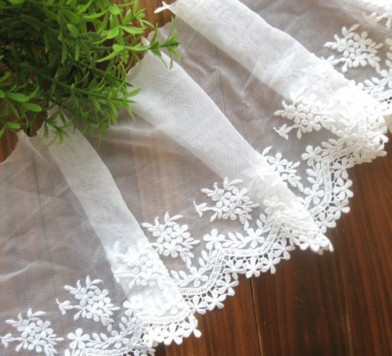 Fabric Flower Trim: Lace Fabric Trim Wide Off White Flower Floral Leaf Scallop
