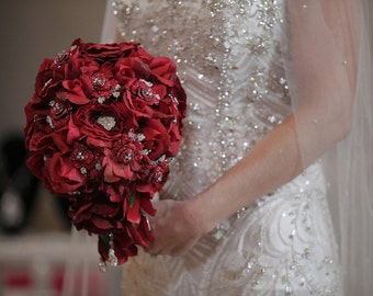 Brooch Bouquet  The Isabella luxurious elegant unexpected