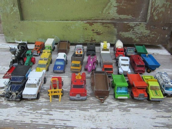 Huge Lot 12 lbs of VintageToy Cars and Trucks Chippy Old Matchbox Hot Wheels More