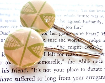 Leaf Patterm Bobby Pin Set in Cream and Green