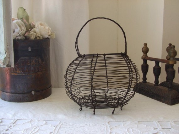 Vintage country French very old wire egg basket.