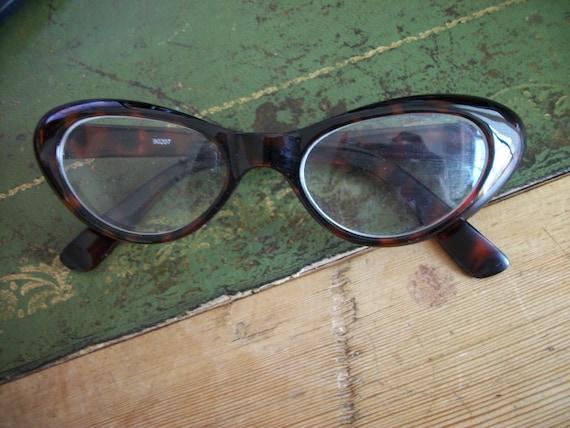 Vintage Style Cat Eye 50s Frames Fake Lenses Glasses Pin Up Rockabilly VLV Tortoiseshell Brown