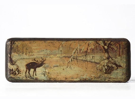Beautiful Old  french LITHOGRAPHED TIN Box DEER in winter  1920 - Shabby chic -