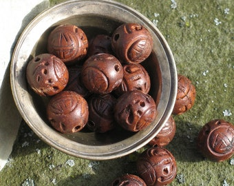 Hand carved wood beads with Chinese good luck symbol