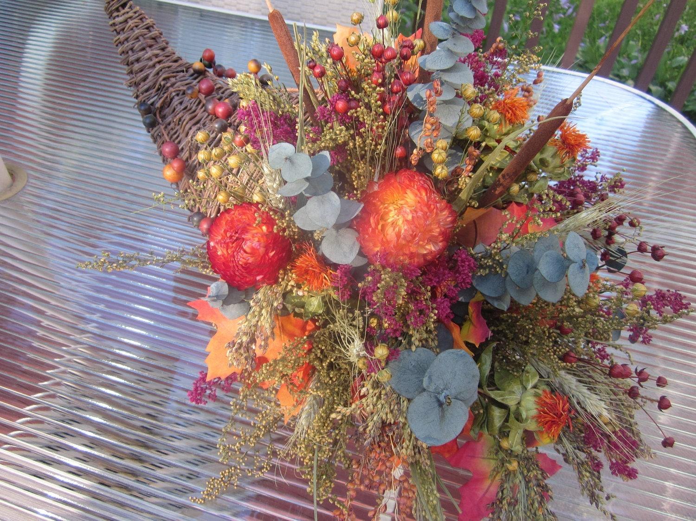 fall dried flower centerpiece cornucopia basket arrangement. Black Bedroom Furniture Sets. Home Design Ideas