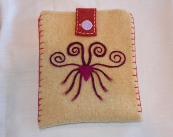 Wool Felted Pouch - Swirly Hearts