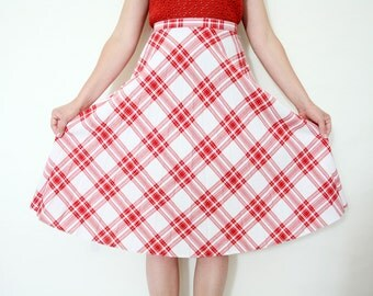 Vintage 70s Red and White A Line Knee Length Plaid Pleated Midi Skirt