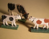 Vintage 1920s 3 Cows from Erzgebirge Region of Germany. Hand carved. Hand painted. Primitive German Folk Art.