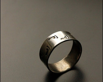 Footprints - Sterling silver ring