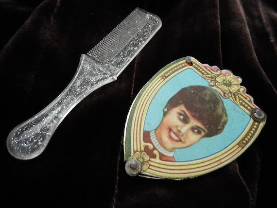 Diana Princess of Wales Plastic Souvenir Mirror and Comb - Item 533