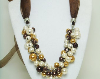 Ivory Pearl Cluster Necklace, Brown and Gold pearls, Bridal Necklace, Ivory Wedding Jewelry, Pearl Chunky Necklace, Bib Bridesmaid Necklace