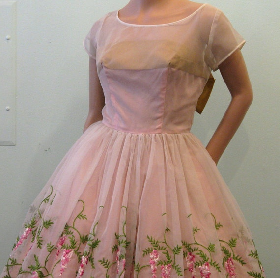 Reserved for Marie // 1950s Prom Dress // Oh SWEET PEA // Embroidered With Sash // XS