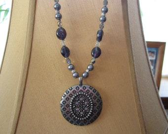 Antique Silver Pendant Necklace with Crystals