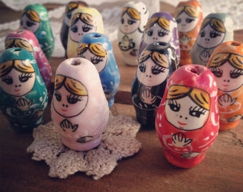 10 - Russian Nesting Doll Beads, HAND PAINTED Porcelain in Multiple Colors, Vintage Jewelry Supplies (O0--)