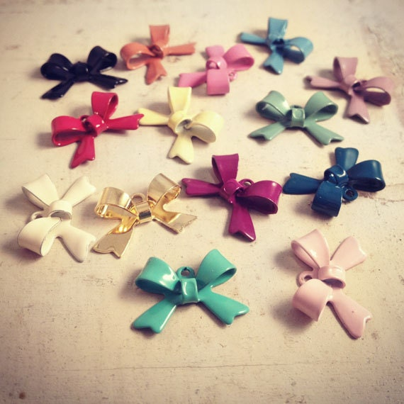 28 Pcs Multi Colored Bow Charms Small Bows Metal Charm Vintage Style Charm (L0- 01, 03, 06, 08,12,14,15,16,20,21,22,27,30,32