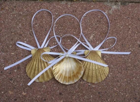 Seashell ornaments christmas ornaments gold sea by justshellin for Christmas tree ornaments made from seashells