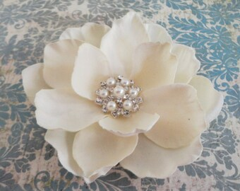 Bridal Ivory Flower Clip - Ivory Fascinator -Magnolia  Pearl Rhinestone Hair Clip - Ivory Flower Brooch - Womens Ivory Hair Clip -  Wedding