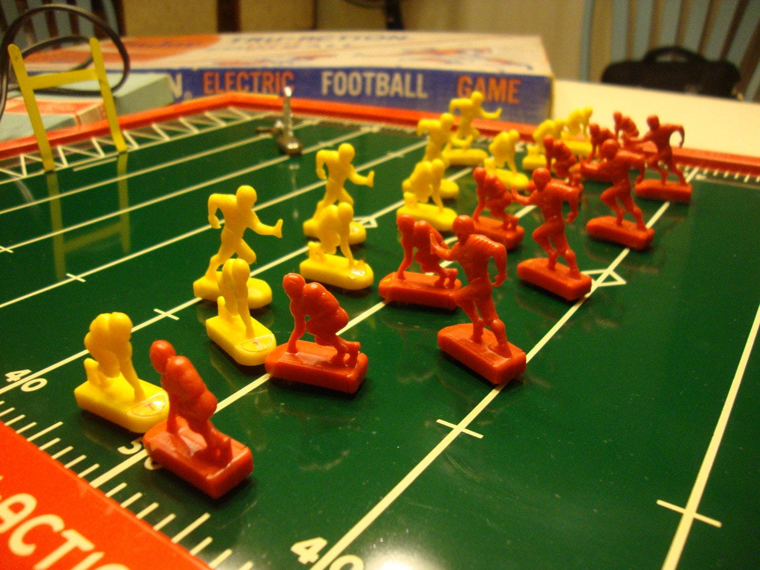 VINTAGE TRU-ACTION ELECTRIC FOOTBALL GAME - YouTube