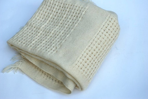 Winter White, Wool Shawl, Autumn, Christmas Wool, Vintage Faribo Shawl, For Girlfriend, Thanksgiving Throw, Shawl, Cream Wool Woven