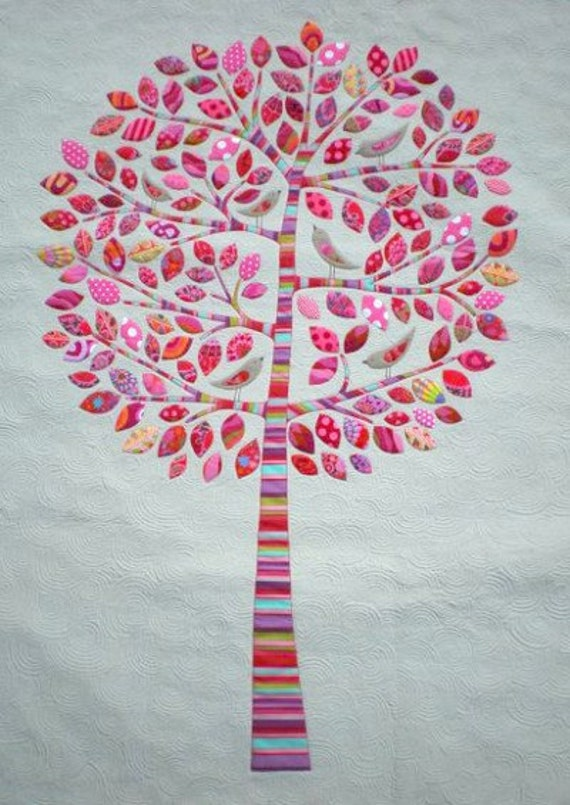 Lilly Pilly Applique Quilt Pattern by Don't Look Now by Kellie Wulfsohn
