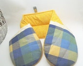 Double Oven Mitt, 2 Handed Pot Holder, Blue and Yellow Plaid Oven Mitt