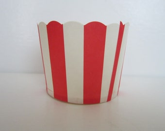 24 Red and White Stripe Scalloped Portion Nut Favor Baking Cup